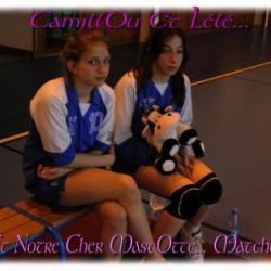 Camille, Léa et la mascotte